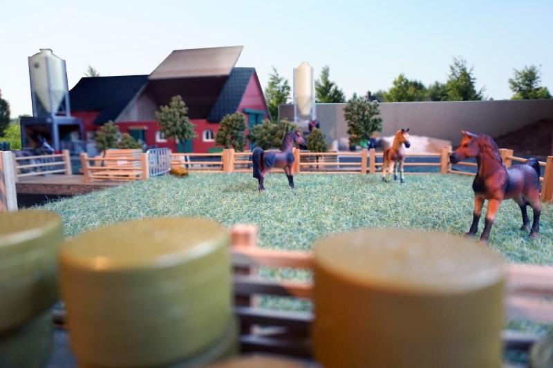 woonboerderij speelgoed met paarden